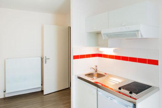crimee-paris-III-apres-emmaus-habitat cuisine d'un logement du foyer