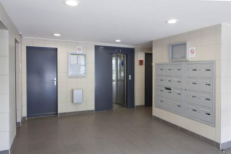 hall d'entrée boites aux lettres