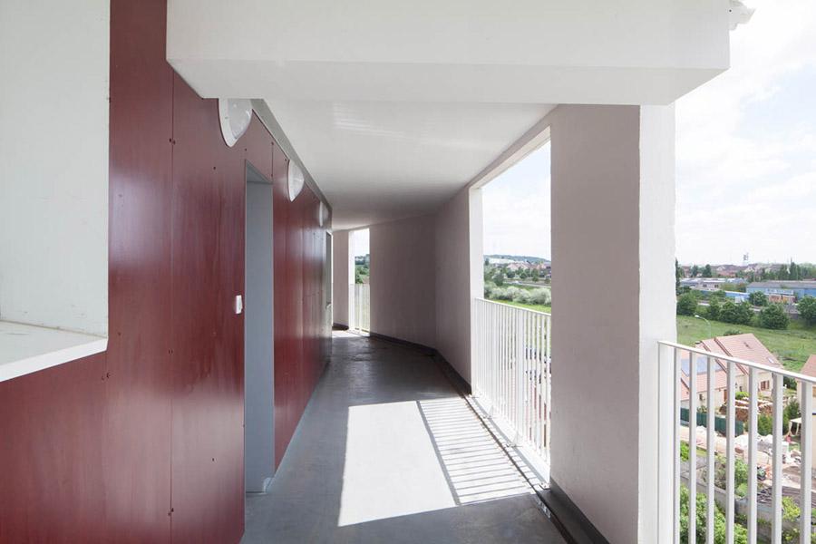 couloir extérieur