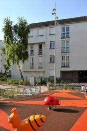 vue d'ensemble résidence et aire de jeux